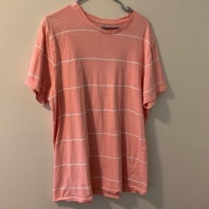 Men's XL Old Navy T-shirt. Salmon